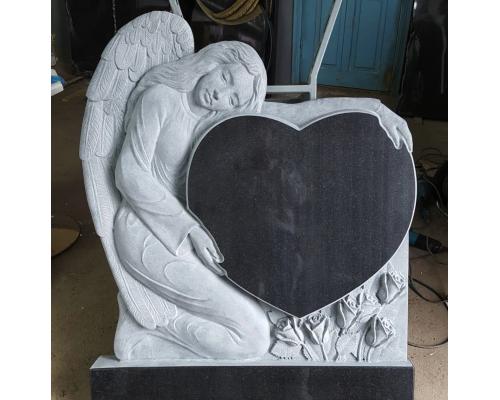 Памятник из гранита c Ангелом №9