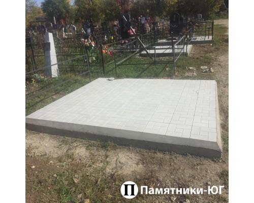 Площадка с тротуарной плиткой